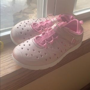 Girls Size 3 Stride Rite Water Shoes